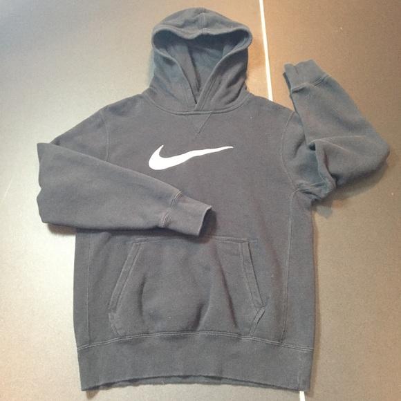 nike swoosh hoodie youth